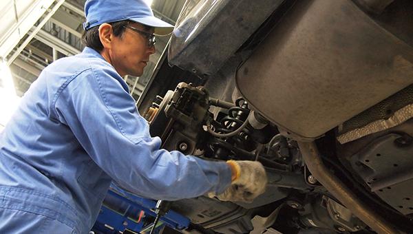 安全を守るための業界最高峰の車両整備環境